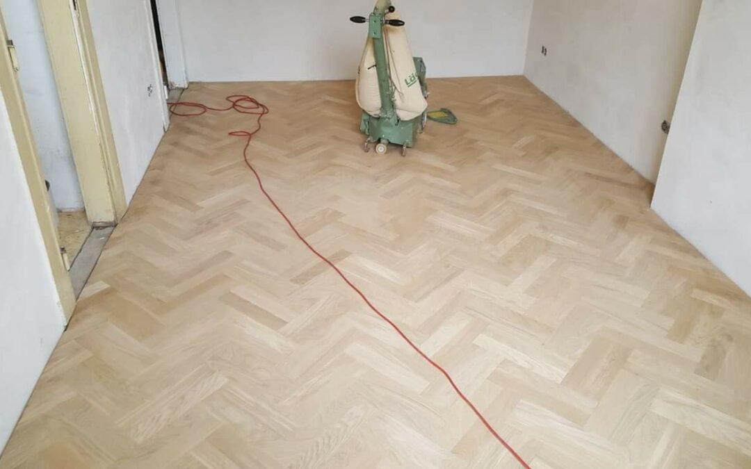 Renovace a částečná výměna parketové podlahy